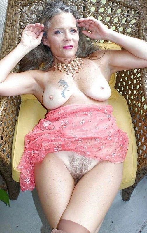 Naked mature ladies porn pictures
