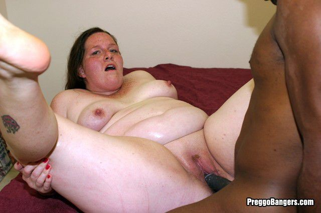 Fat chubby pregnant pussy photo