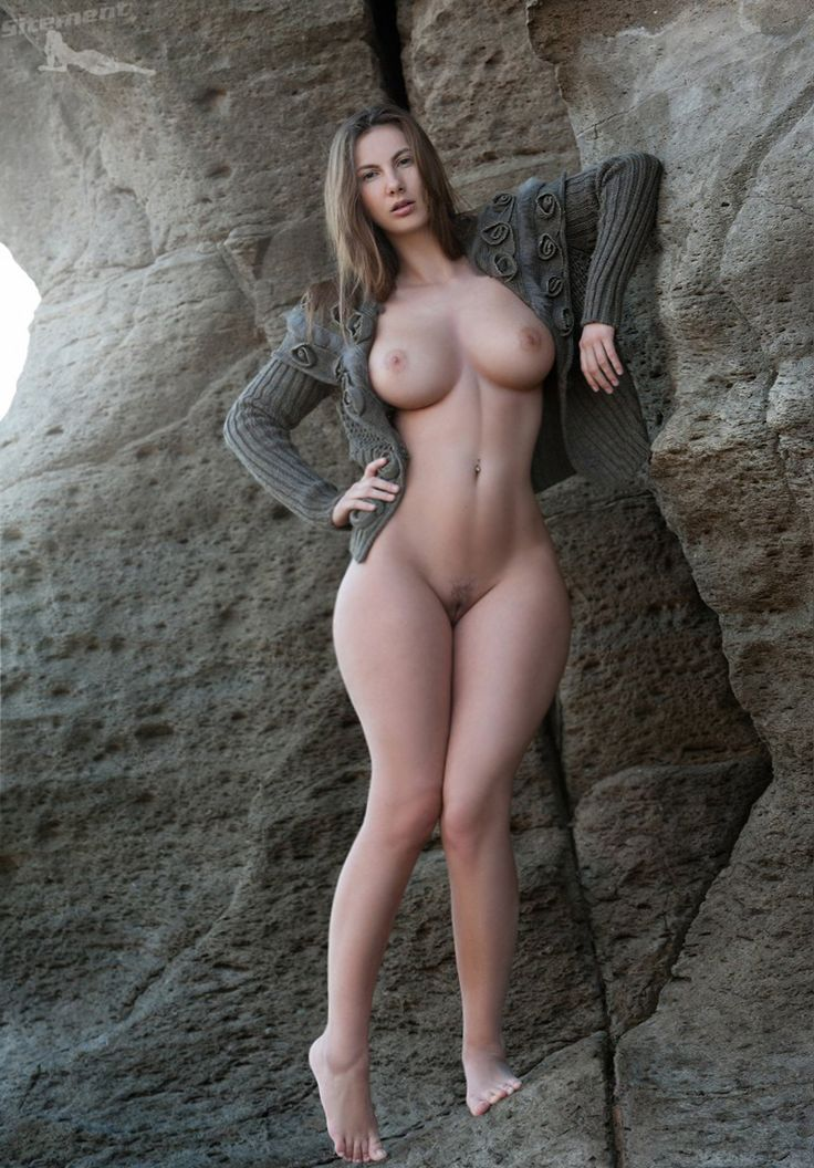 Perfect hips naked